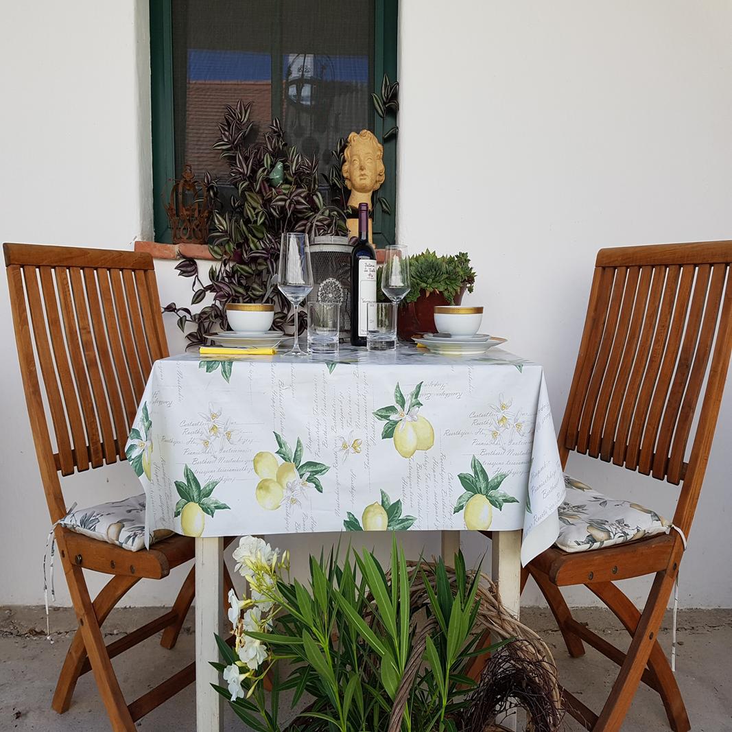 Ein schön gedeckter Tisch macht es gleich festlich.